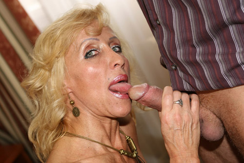 Cock-licking mature female bodybuilder